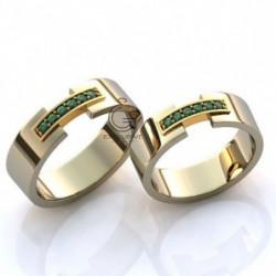 Золотое обручальное кольцо с изумрудами